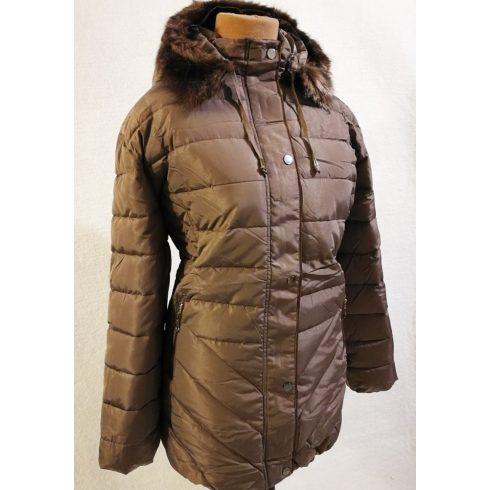 Levehető a kapucni és a szőrme díszítés is, szőrme bélelt kabát  10XL-11XL