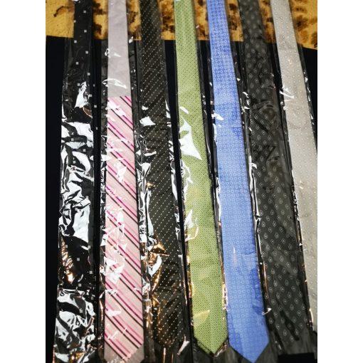 Selymes anyagú nyakkendő