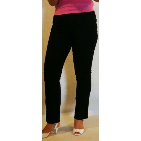 Fekete színű, elől. hátul zsebes , sztreccses anyagú nadrág