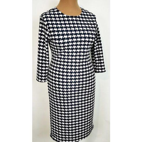 Kerek nyakú, 3/4-es ujjú, elől-hátul sötétkék-fehér színű mintával díszített, kellemes, pamutos anyagú ruha 44-52