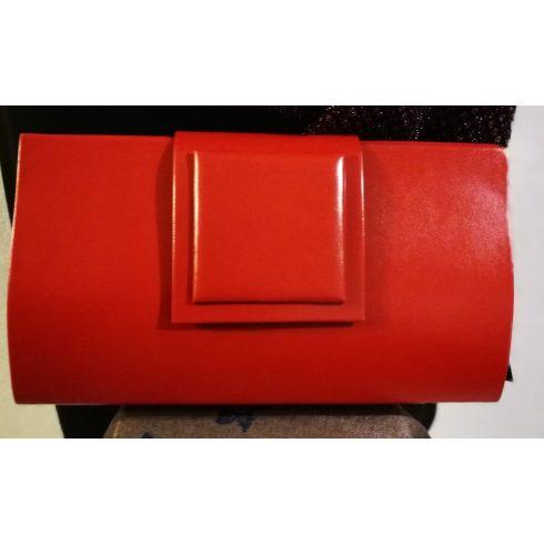 Magasfényű, egyszínű, egy rekeszes, patentos záródású, hosszú pánttal is használható alkalmi kézi táska
