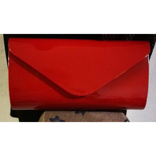 Magasfényű, egyszínű bordó, egy rekeszes, patentos záródású, hosszú pánttal is használható alkalmi kézi táska