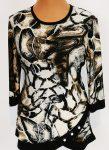 Kerek nyakú, 3/4-es ujjú, hátul fekete, elől bézs-világosbarna színű mintás, alsó részén szegővel és gombokkal díszített, selymes, rugalmas anyagú felső