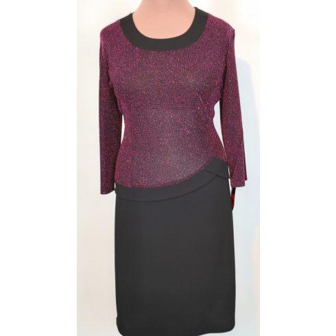 Kerek nyakú, 3/4-es ujjú, nagyon szép, fekete alapszínű, felső része és az ujja elől-hátul pink színű, csillogó mintával díszített, selymes rugalmas anyagú alkalmi ruha