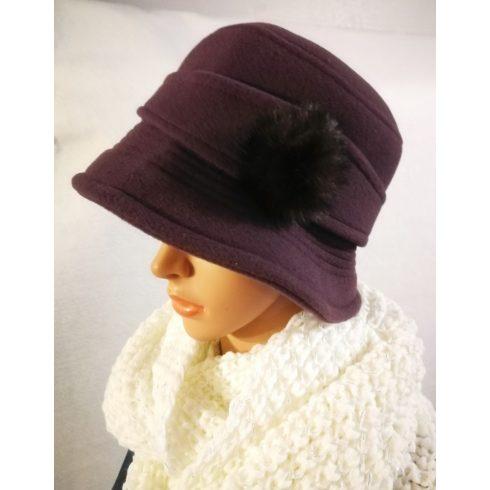 Selyem béléses polár kalap, oldalán színben hozzáillő szőrmebojttal