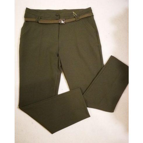 Sötét zöld színű, zsebes, rugalmas, szövet anyagú alkalmi nadrág, ajándék övvel